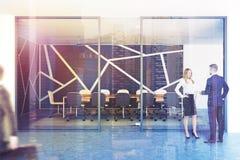 Teste padrão panorâmico do preto da entrada da sala de reunião, pessoa Fotografia de Stock Royalty Free