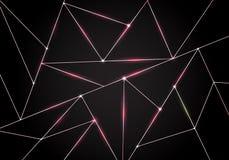 Teste padrão poligonal luxuoso e linhas cor-de-rosa dos triângulos do ouro com iluminação no fundo escuro Baixas formas geométric ilustração royalty free