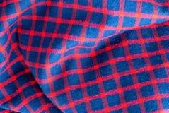 Teste padrão quadriculado quadriculado em vermelho, em vermelho e em azul foto de stock royalty free