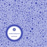 Teste padrão sem emenda abstrato com fundo floral em tons azuis ilustração stock