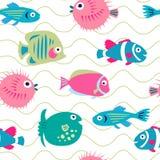 Teste padrão sem emenda bonito com os peixes corais engraçados ilustração do vetor