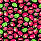 Teste padrão sem emenda brilhante com rosas, morango, bolinhos de amêndoa, bordos e corações ilustração do vetor