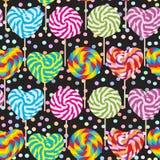 Teste padrão sem emenda colorido, pirulitos dos doces, bastão de doces espiral Doces na vara com os vagabundos torcidos do preto  Fotos de Stock
