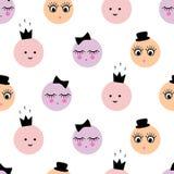 Teste padrão sem emenda com as caras fêmeas engraçadas dos desenhos animados abstratos com chapéu, coroa, curva no fundo branco Fotografia de Stock