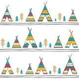 Teste padrão sem emenda com as tendas e as árvores tiradas mão no branco Fotos de Stock Royalty Free