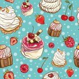 Teste padrão sem emenda com bolos e bagas Imagens de Stock