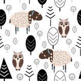 Teste padrão sem emenda com cordeiro e coruja no estilo escandinavo da floresta - ilustração do vetor, eps ilustração royalty free
