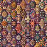 Teste padrão sem emenda com mandalas decorativas Elementos da mandala do vintage Retalhos coloridos Fotografia de Stock