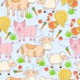 Teste padrão sem emenda com o animal de exploração agrícola e o galo tirados mão, carneiro, tomate, cenoura, vaca, porco, grama F Imagens de Stock