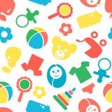 Teste padrão sem emenda com os acessórios bonitos do bebê no fundo branco Imagens de Stock Royalty Free
