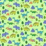 Teste padrão sem emenda com os dinossauros bonitos diferentes, mountauns Imagens de Stock