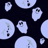 Teste padrão sem emenda com os fantasmas engraçados coloridos no luar Foto de Stock Royalty Free