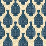 Teste padrão sem emenda com os frascos orientais decorados Fotografia de Stock Royalty Free