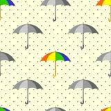 Teste padrão sem emenda com os guarda-chuvas e os pingos de chuva cinzentos e coloridos ilustração do vetor
