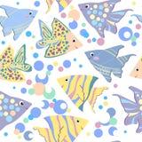 Teste padrão sem emenda com os peixes coloridos dos desenhos animados Imagem de Stock Royalty Free