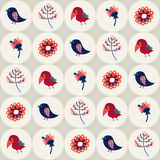 Teste padrão sem emenda com pássaros e flores nos círculos Fotografia de Stock Royalty Free