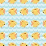 Teste padrão sem emenda com rebanho de peixes de sorriso dos desenhos animados bonitos Fotografia de Stock Royalty Free