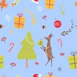 Teste padrão sem emenda com rena, doces do Natal Imagens de Stock Royalty Free