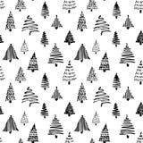 Teste padrão sem emenda da árvore de Christmass Ilustração do vetor Esboço tirado da garatuja da mão preta com tinta Projeto para Imagens de Stock Royalty Free