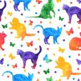 Teste padrão sem emenda da aquarela colorida com gatos bonitos e borboletas isolados no fundo branco Vetor eps10 ilustração royalty free