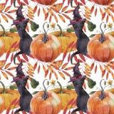 Teste padrão sem emenda da aquarela Ilustração com abóboras, o gato preto e as folhas de outono ilustração stock