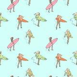 Teste padrão sem emenda da cor com as meninas com as placas de ressaca que andam ao longo da praia ilustração stock