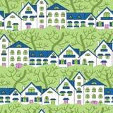 Teste padrão sem emenda das casas brancas e de árvores verdes Fotos de Stock Royalty Free