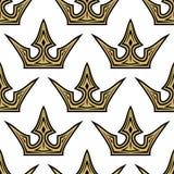 Teste padrão sem emenda de coroas douradas Imagens de Stock Royalty Free