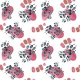 Teste padrão sem emenda de pegadas do cão em pontos cor-de-rosa Ilustração da aguarela ilustração royalty free