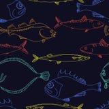 Teste padrão sem emenda de peixes de mar da cor em um fundo preto garatuja do vetor Fotos de Stock Royalty Free