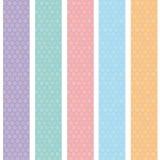 Teste padrão sem emenda do fundo do às bolinhas com as listras azuis lilás cor-de-rosa alaranjadas Vetor Imagens de Stock