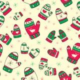 Teste padrão sem emenda do inverno com mitenes vermelho-verdes Imagens de Stock Royalty Free