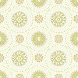 Teste padrão sem emenda do ornamento com círculos Imagens de Stock Royalty Free