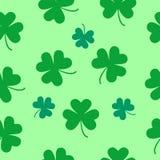 Teste padrão sem emenda do trevo do dia de St Patrick Imagens de Stock Royalty Free