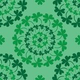 Teste padrão sem emenda do verde do trevo do círculo da mandala do dia do ` s de St Patrick ilustração do vetor