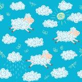 Teste padrão sem emenda do vetor com carneiros e nuvens Imagem de Stock Royalty Free