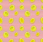 Teste padrão sem emenda do vetor com limões, molde colorido do fundo, contexto listrado e fatias do limão ilustração stock