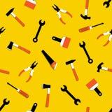 Teste padrão sem emenda do vetor com martelo, extrator de prego, machado, serra, alicates, pincel, chave de fenda As ferramentas  ilustração stock