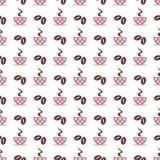 Teste padrão sem emenda do vetor com os copos de café cor-de-rosa com pontos e as grões no fundo branco Fotos de Stock Royalty Free