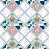 Teste padrão sem emenda dos retalhos com corações e fundo dos elementos Imagem de Stock Royalty Free