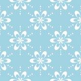 Teste padrão sem emenda floral branco no fundo azul Imagem de Stock Royalty Free