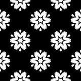 Teste padrão sem emenda floral branco no fundo preto Imagens de Stock Royalty Free