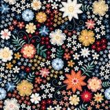 Teste padrão sem emenda floral ditsy do bordado Flores e folhas bonitas do verão no fundo preto Ilustração do vetor ilustração royalty free