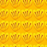 Teste padrão sem emenda Fundo amarelo Flores do açafrão Fotografia de Stock Royalty Free
