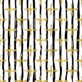Teste padrão sem emenda moderno com listras e cruz da escova Enegreça, cor metálica do ouro no fundo branco Glitter dourado fotos de stock royalty free