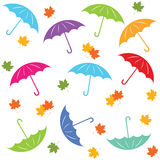 Teste padrão sem emenda multicolorido com guarda-chuva e folhas de outono Fotos de Stock