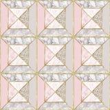 Teste padrão sem emenda - o fundo de mármore cor-de-rosa geométrico com ouro apara Fotos de Stock Royalty Free