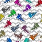 Teste padrão sem emenda - por todo o lado no teste padrão das sapatilhas coloridas Imagem de Stock