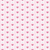Teste padrão sem emenda retro primitivo bonito com corações pequenos em fundo listrado ilustração do vetor