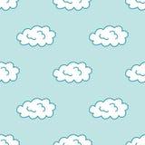 Teste padrão sem emenda tirado mão do céu da nuvem do estilo dos desenhos animados Foto de Stock Royalty Free